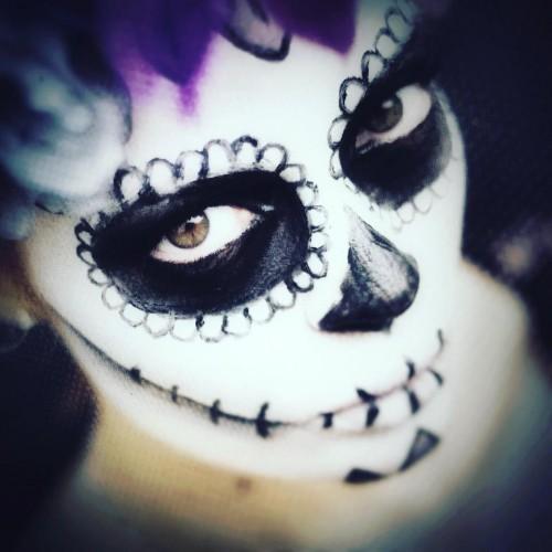 Ça sent #Halloween par ici ! #WorkInProgress – avec Latiina Modèle.