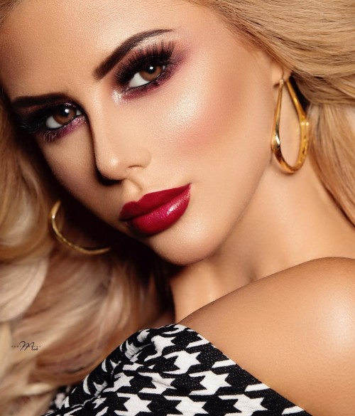 katerina fetisova. Perfection, look, great photographer, photography, professional makeup artist, dubaiartist, photoshoot dubai, mua, hairstyle, dubaimodel, fantasy, look, blonde, redlips, beauty, life style, mydubai