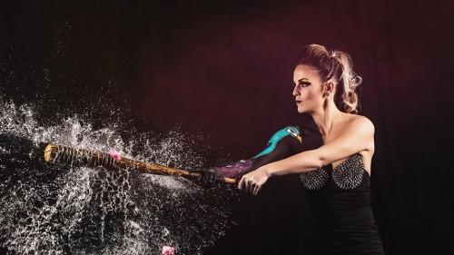 Modèle : Manon Mortemousque. MakeUp Artist : Coralie Vidal Kalamiti. Photographe : Maxime Rocher. Assistant de la photographie : Amélie Chomienne. Studio : Studio Light Photo. Lanceur de ballon.... Coralie et Amelie ! – avec Manon Mortemousque.