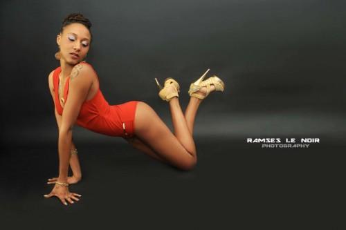 Photographe : Ramses Le Noir Photographe. Créatrice : LesieM Couture. Make up : Cynthia Fashion Beauty Industry