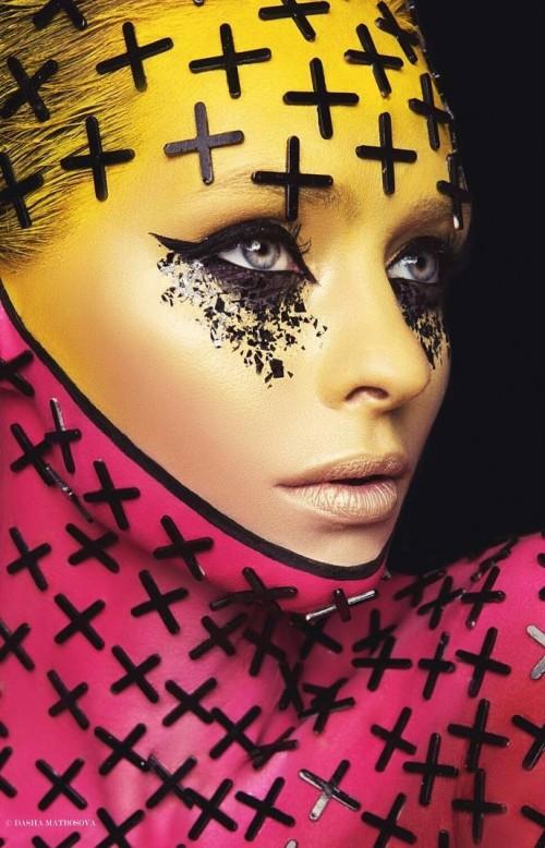 Dark and colour. ph&retouch: Dasha Matrosova. mua&style: @anna_malakhovskaya_mua. model: Елена Асташонок