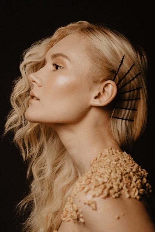Tyle wszystkiego się dzieje ostatnio!. Tylko popatrzcie jak piękny 'snickersowy' look swotrzyły Klaudia KoSińska Make Up Artist Nikola Dylus. Utrwaliła to w postaci wspaniałego zdjęcia Magdalena Hałas Photography. Uwielbiam pracować z tak zdolnymi ludźmi