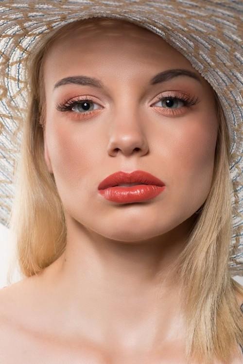 Model: Dominika Judasz. Make-up: Dagmara Bretner/ Dagmara Bretner MakeUp. Foto: Dorota Krupińska / Fotowidzenie.pl. Współpraca: Magdalena Hałas/